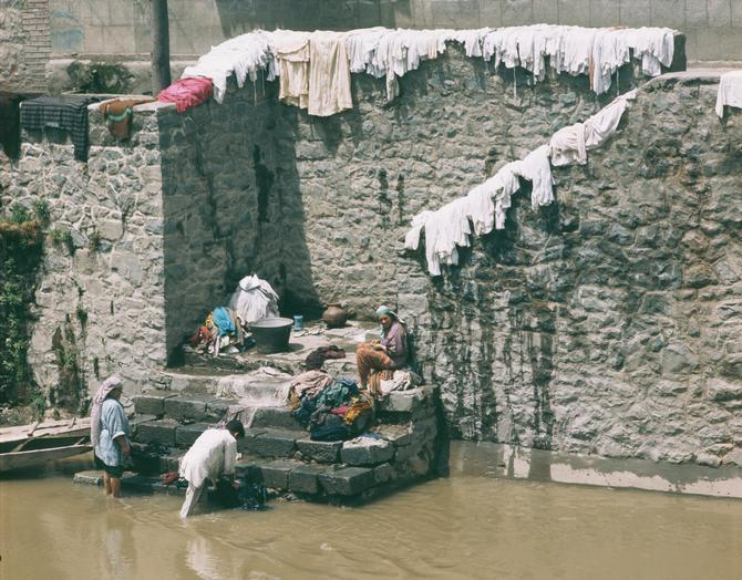 Laundry in Srinagar, 1974