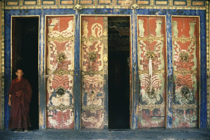Door to the Dukhang in Nechung, 1985