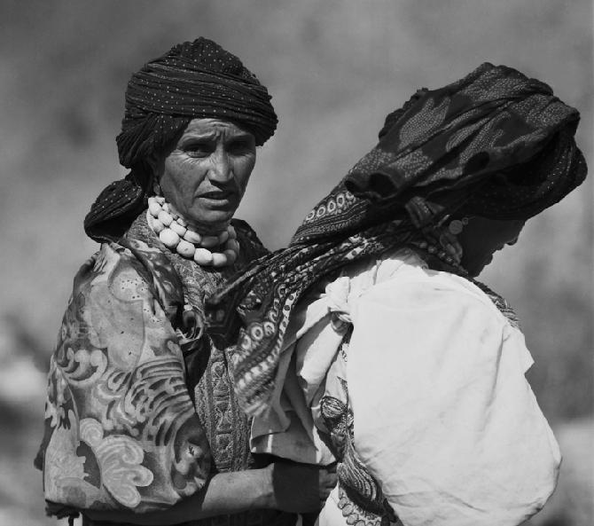Ladies from Jebbel Sabir, North Yemen (1972)